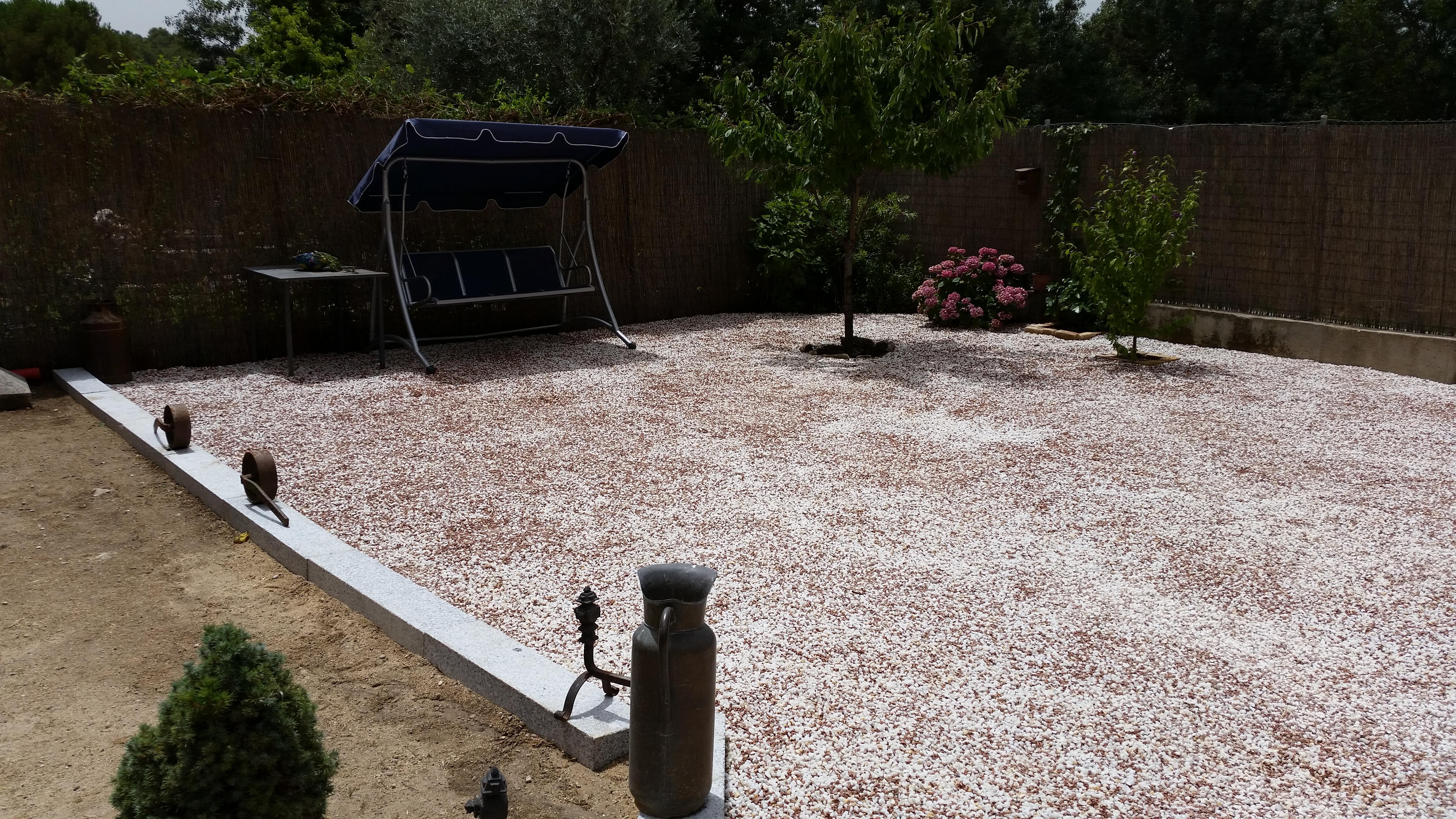 Jard n de bajo mantenimiento borjardin for Jardines de bajo mantenimiento