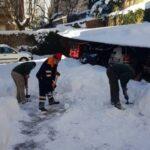 Retirada de nieve en entrada de viviendas y jardines. (2)